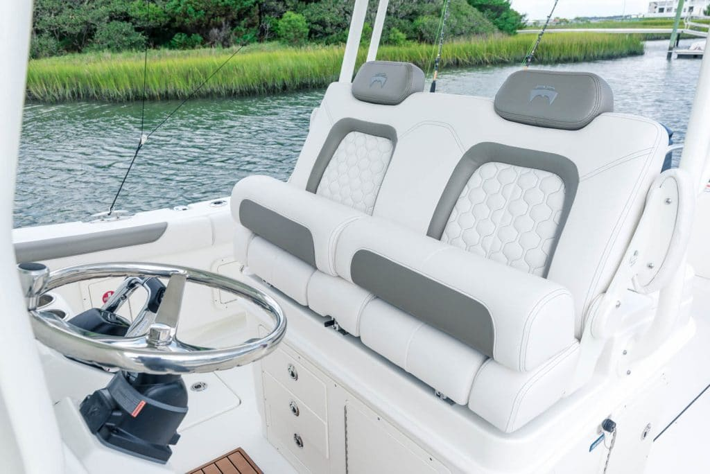 Deluxe captainʹs helm chairs