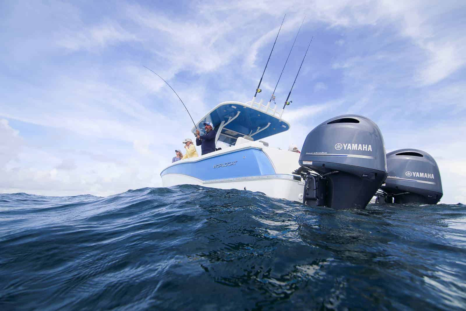 Yamaha 200 HP Digital 4-strokes with Command Link Plus® gauge, rigging, controls and props